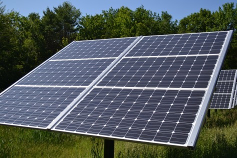 Fixed_Tilt_Solar_panel_at_Canterbury_Municipal_Building_Canterbury_New_Hampshire